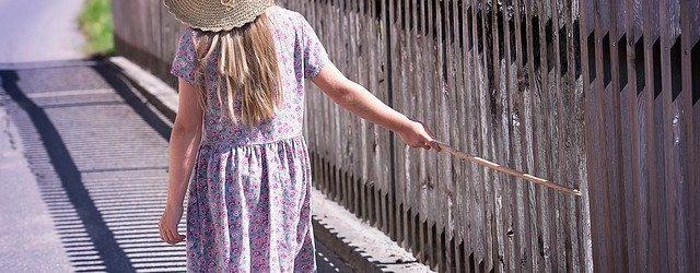 robe décontractée pour une petite fille